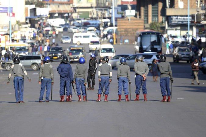 Opozícia chystá protest v hlavnom meste Zimbabwe, ulice stráži polícia s vodnými delami