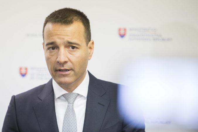 Policajného exprezidenta Gašpara som nemal odvolávať na žiadosť Fica, tvrdí bývalý minister Drucker
