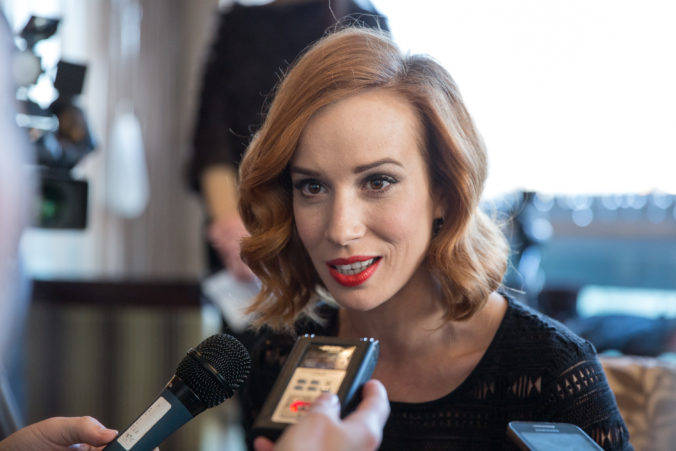 Špionážna dráma s Táňou Pauhofovou bude mať medzinárodnú premiéru v Toronte