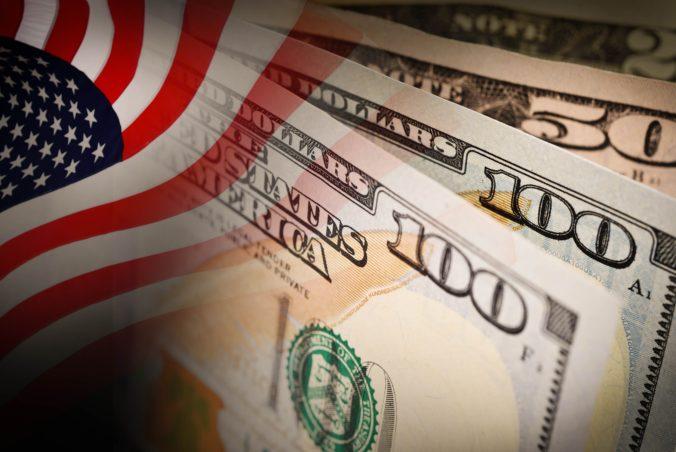 Platy popredných manažérov v USA narástli za štyridsať rokov o vyše tisíc percent