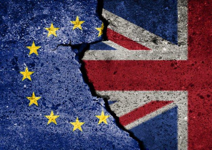 Tvrdý brexit môže viesť k nedostatku potravín, palív a liekov, hovorí prognóza britskej vlády