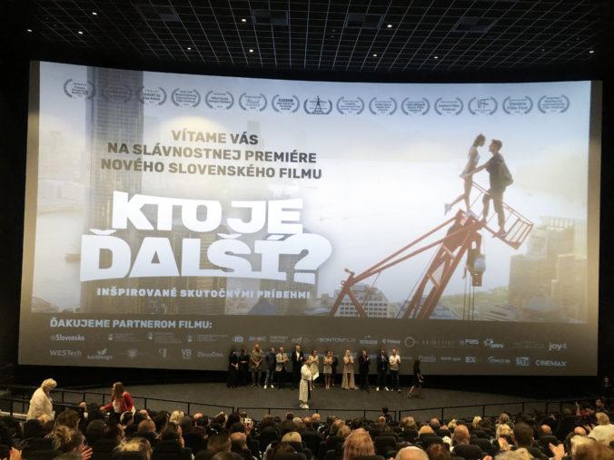 Foto: Film Kto je ďalší? mal v Bratislave slávnostnú premiéru, prišiel aj premiér Pellegrini