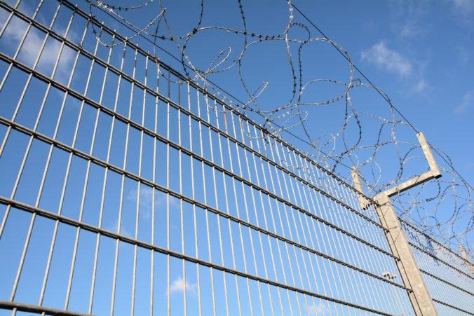Slovinsko postaví na hranici s Chorvátskom ďalšie oplotenie, chce zabrániť príchodu migrantov