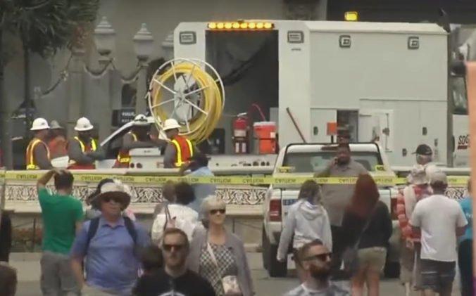 Video: Zoo v San Diegu museli evakuovať, pri vstupe odhalili poškodené plynové potrubie