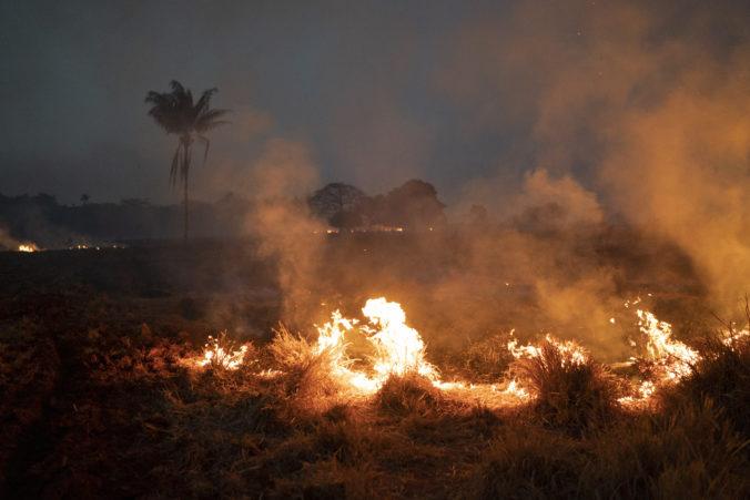 Brazília urobila dôležité rozhodnutie, na hasenie požiaru v Amazonskom pralese nasadí armádu