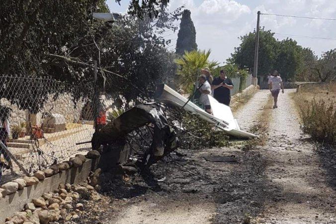 Foto: Na ostrove Malorka sa zrazila helikoptéra s lietadlom, zahynuli aj dve deti