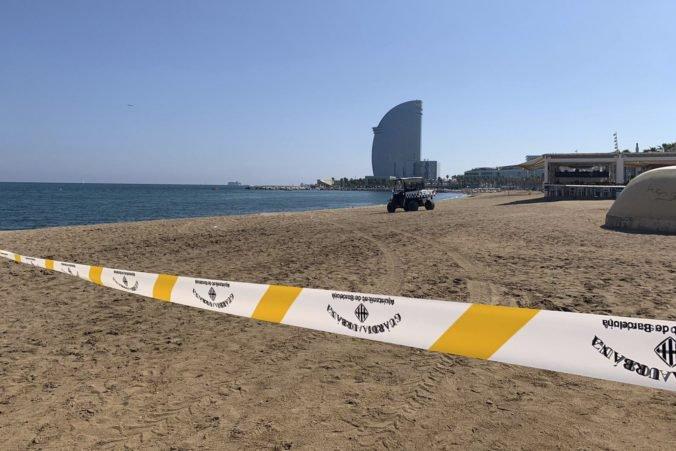 V Barcelone evakuovali jednu z najobľúbenejších pláží, našli podozrivé výbušné zariadenie