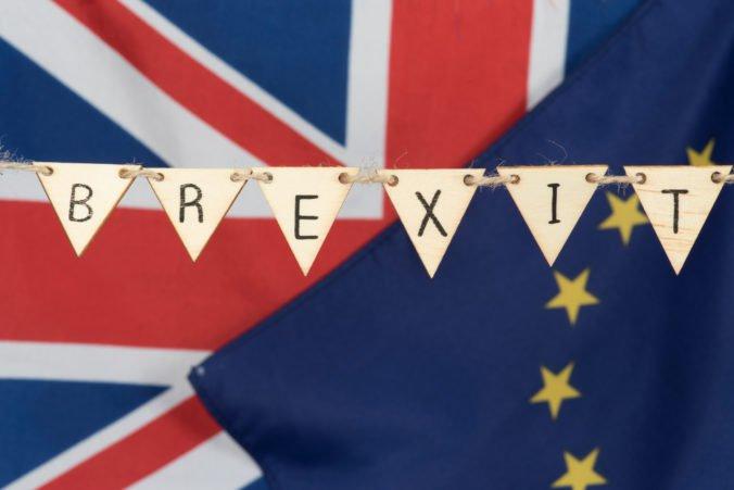 Britská opozícia plánuje presadiť zákon s cieľom zablokovať brexit bez dohody