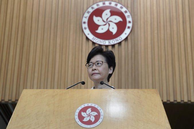 Carrie Lam neustúpi požiadavkám demonštrantov, zamietla aj tvrdenia o jej rezignácii