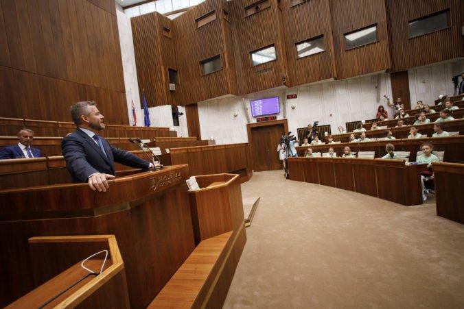 Foto: Deti sa pýtali Pellegriniho na klamstvá politikov a Sakovú prekvapili otázkou o vražde Kuciaka