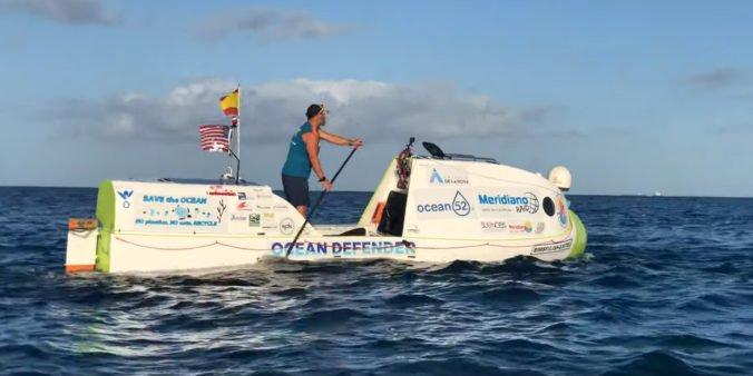 Video: Muž za 76 dní preplával na paddleboarde z Ameriky na Havaj, upozornil na znečistenie oceánov