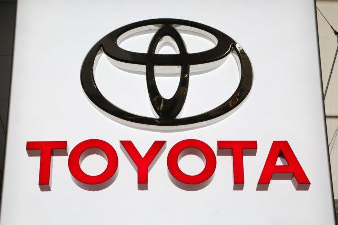 Automobilka Toyota zvoláva takmer dvestotisíc áut na výmenu nevyhovujúcich airbagov