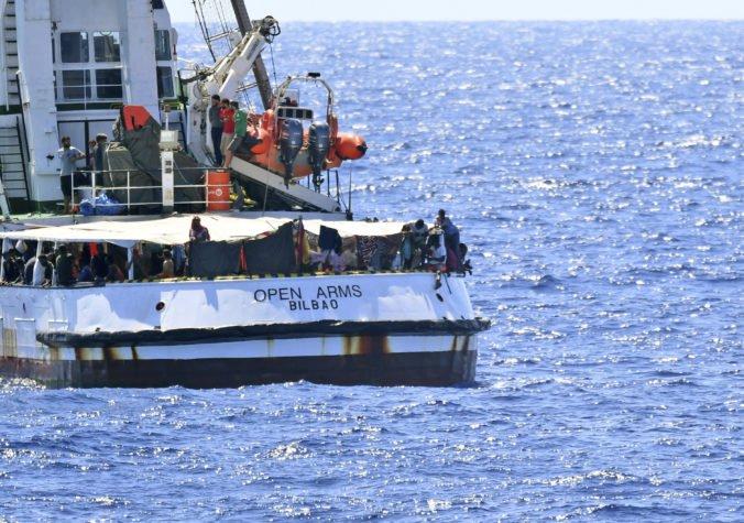 Do Španielska dorazilo pätnásť migrantov z lode Open Arms, na vstup dostali osobitné povolenie
