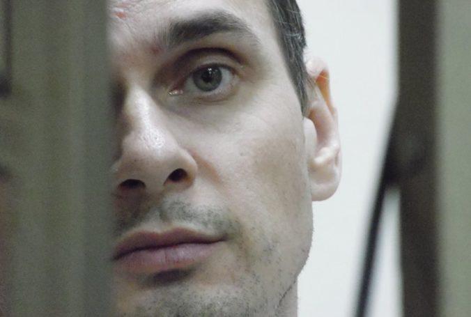 Medzi Ruskom a Ukrajinou údajne prebehla výmena väzňov, medzi nimi má byť aj filmár Sencov
