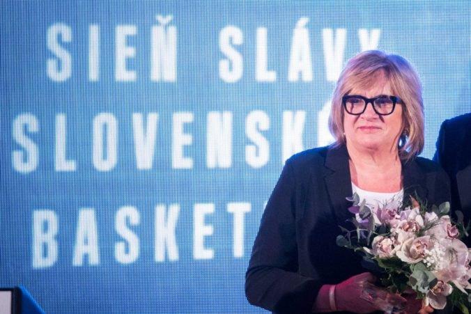 Pocta pre Natáliu Hejkovú, úspešnú trénerku uviedli do Siene slávy FIBA