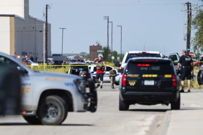 Video: Streľba v Texase si vyžiadala mŕtvych aj zranených, muž najprv spustil paľbu na policajtov