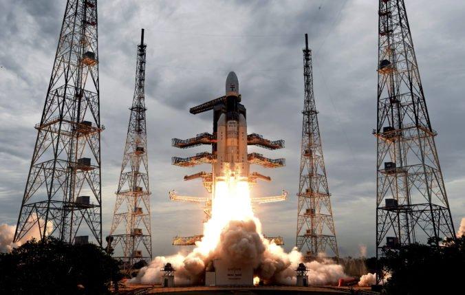 Modul indickej misie Čandraján-2 sa odpojil od orbitera, má pristáť na južnom póle Mesiaca