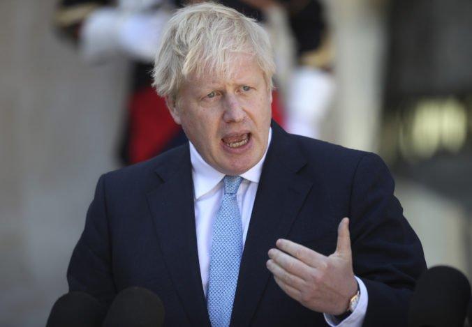 Premiér Johnson chce vylúčiť členov vlastnej strany, ktorí sú proti jeho plánu brexitu