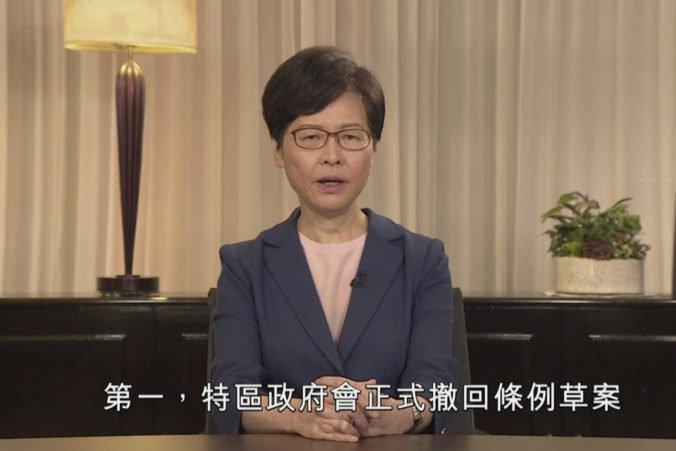 Hongkonská vláda stiahne kontroverzný zákon, ale nebude akceptovať ďalšie požiadavky demonštrantov