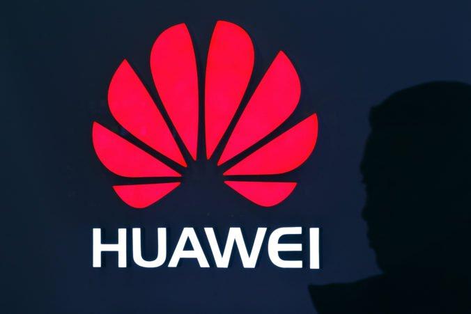 Huawei tvrdí, že je terčom kybernetických útokov a zastrašovania zo strany americkej vlády