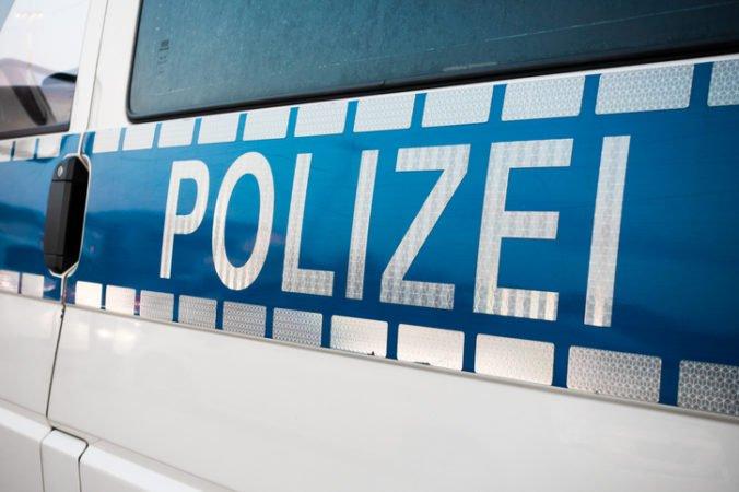 Auto v Berlíne narazilo do ľudí na chodníku, medzi štyrmi mŕtvymi je aj malé dieťa