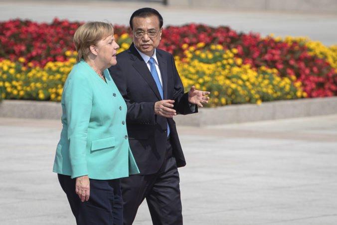 Práva a slobody obyvateľov Hongkongu musia byť chránené, Merkelová chce krízu riešiť dialógom