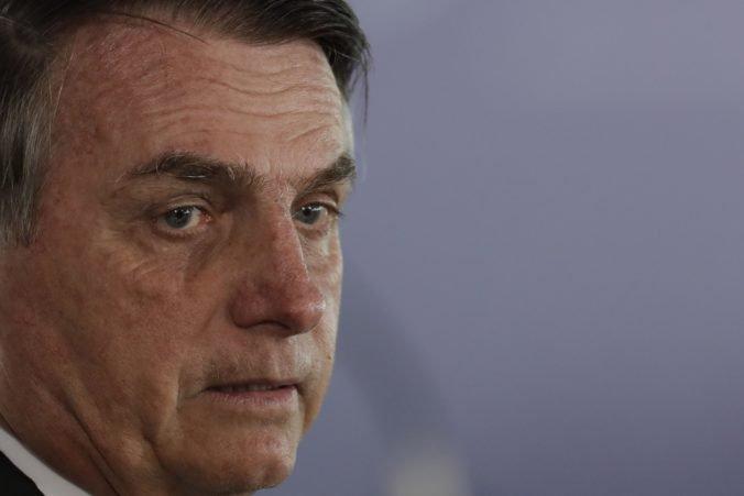 Jair Bolsonaro má za sebou úspešnú päťhodinovú operáciu brušnej prietrže