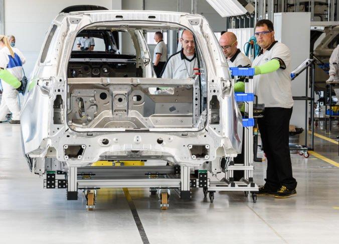 Jaguar Land Rover v Nitre sa chce dohodnúť s odbormi a odmieta tvrdenia o fluktuácii zamestnancov