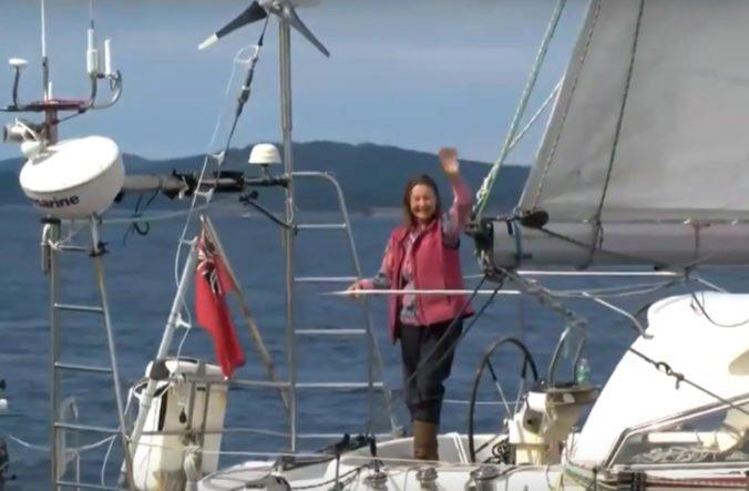 Video: Britka Jeanne Socrates sa stala najstaršou osobou, ktorá sama oboplávala svet
