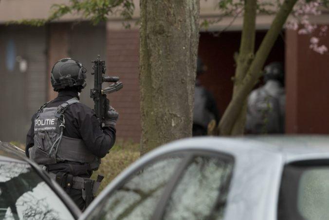 Streľbu v meste Dordrecht neprežili aj dve deti, podozrivým je policajt
