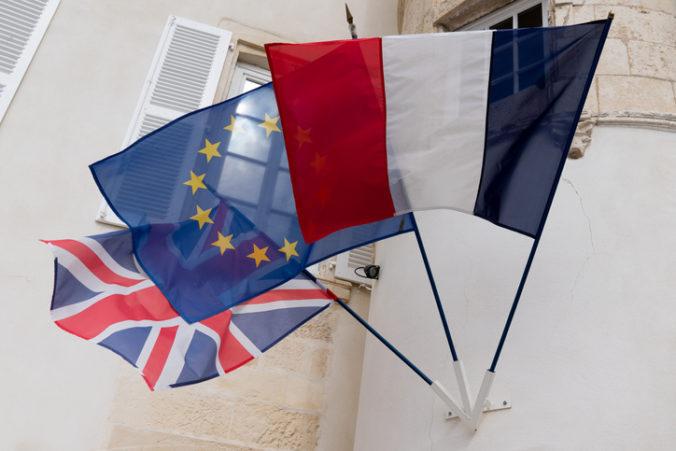 Združenie francúzskych podnikateľov upozorňuje na škody v dôsledku brexitu bez konca