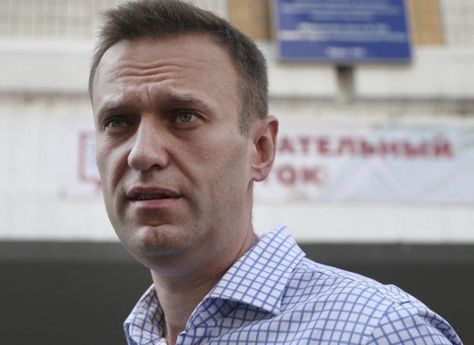 Ruská polícia vykonala razie v desiatkach miest, prehľadala domy a kancelárie spojencov Navaľného