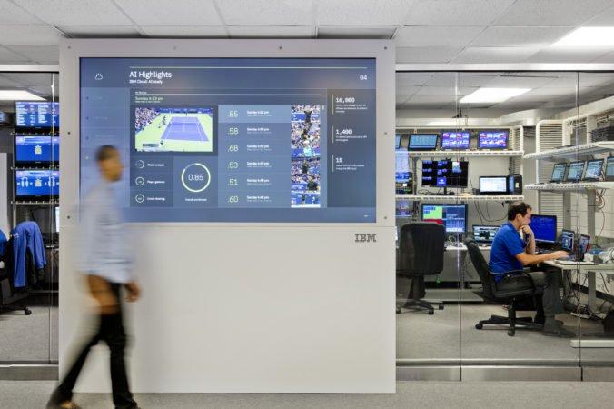 ŠKODA AUTO používa IBM Watson asistenta pri náboroch zamestnancov