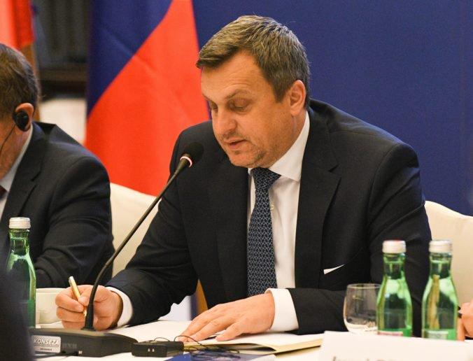 Brusel má dať Slovensku pokoj, štát si podľa Danka môže požičať miliardy eur a nič zlé sa nestane