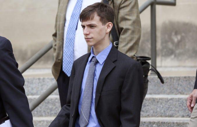 Telefonát tínedžera viedol k smrti nevinného muža, skončil vo väzení a nesmie hrať počítačové hry