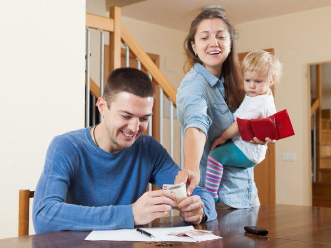 Rodičovský príspevok sa razantne zvýši, niektorí rodičia si prilepšia aj o 150 eur