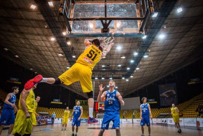 Inter Bratislava sa s Ligou majstrov lúči, basketbalisti vysoko prehrali vo Švajčiarsku