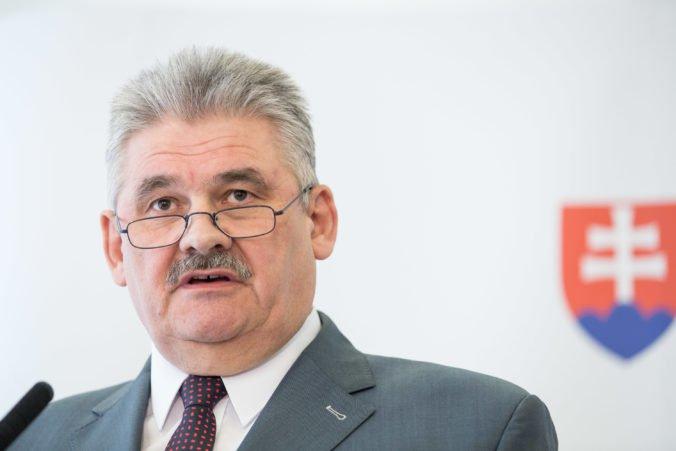 Minister Richter uvažuje o tom, že nezamestnaným zakáže vrátiť sa do tej istej firmy