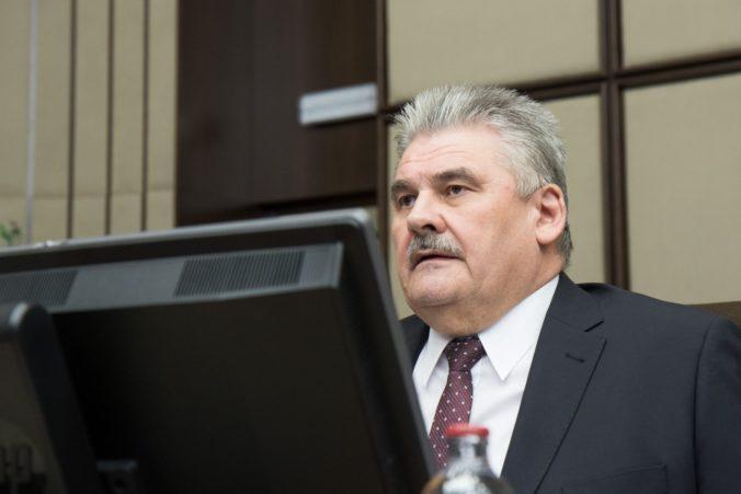 Nezamestnanosť na Slovensku sa drží pod piatimi percentami, Richter poukázal aj na útlm v hutníctve