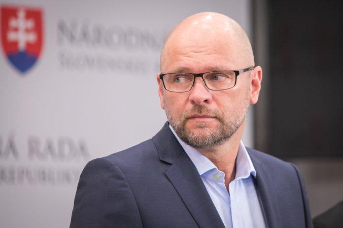 Sulík označil nezvolenie ústavných sudcov za frašku, SaS je ochotná dodať koalícii hlasy