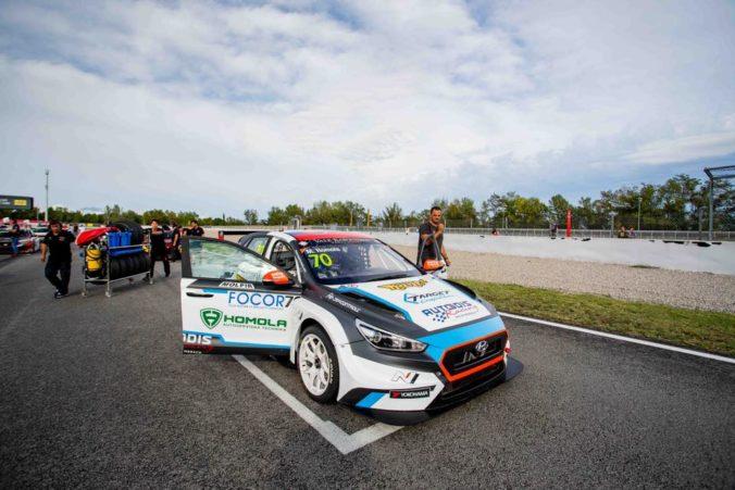 Matej Homola siahal na body v pretekoch šampionátu TCR Europe