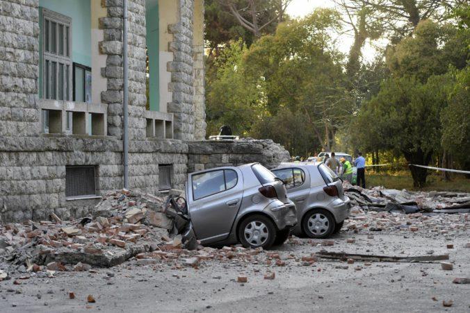 Po zemetrasení v Albánsku nasledovalo viac ako sto dotrasov, počet zranených ľudí stúpol