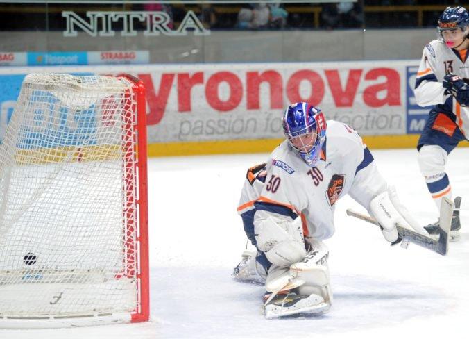 Kempy prvých tímov NHL opustili ďalší Slováci, na farmu putoval aj brankár Durný