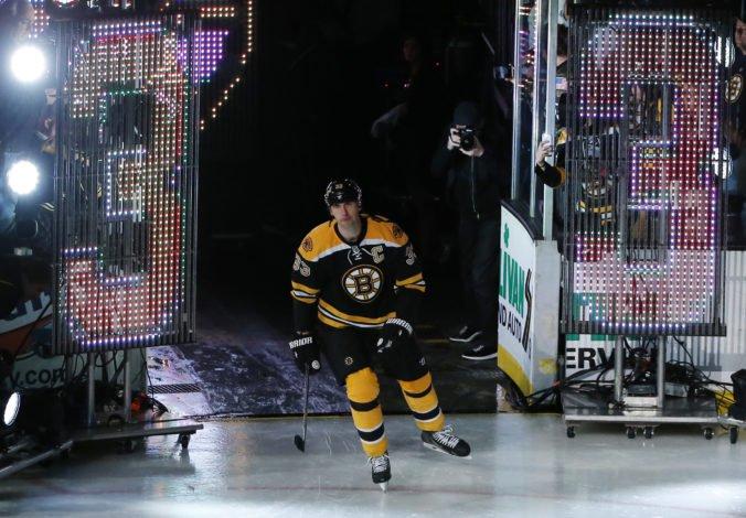 Zdeno Chára stojí na prahu 22. sezóny v NHL, bude najstarším aj najvyšším hráčom