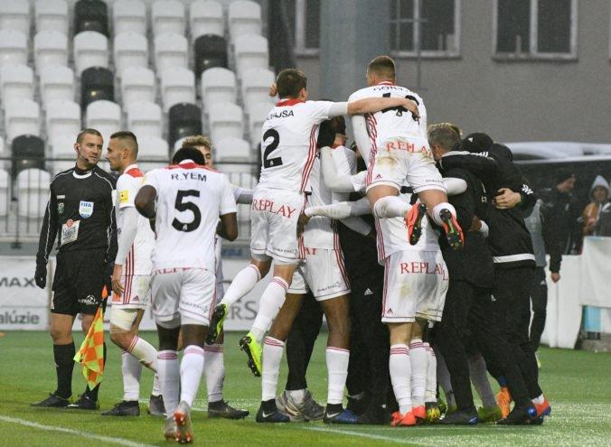 Tímy z Fortuna ligy v Slovnaft Cupe nezaváhali, Trenčín a Zlaté Moravce sa však natrápili