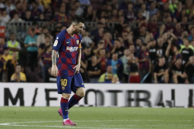 """Video: Barcelona zdolala """"žltú ponorku"""", ale hviezdny Messi odohral iba polčas"""