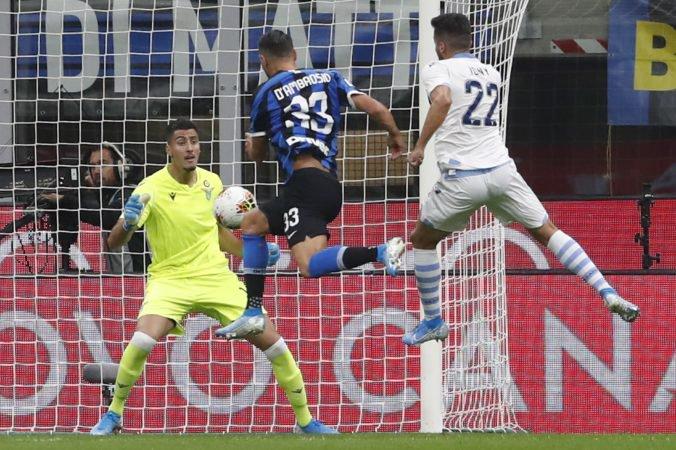 Video: Škriniarov Inter je v Serie A stále stopercentný, SSC Neapol doma prekvapujúco zaváhal