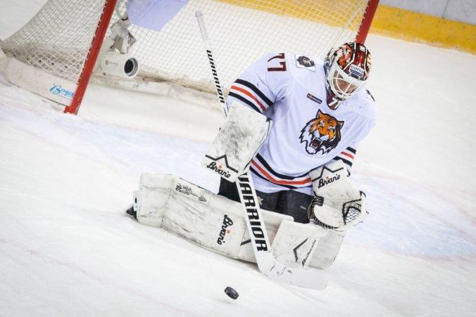 V šatni nemajú ani lepiacu pásku, ďalší klub KHL je vo finančných problémoch