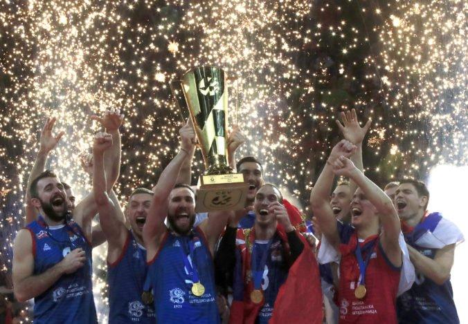 Video: Volejbalisti Srbska sa po zdolaní Slovinska stali majstrami Európy, Poliaci získali bronz