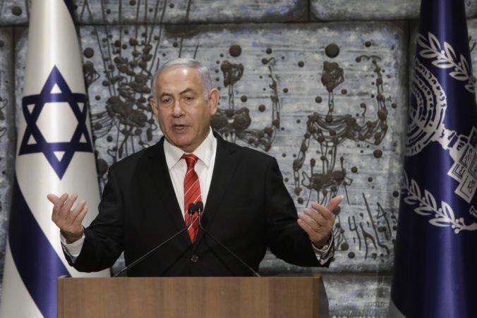 Netanjahu by mohol čeliť obvineniam z úplatkárstva, podľa premiéra ide o hon na čarodejnice